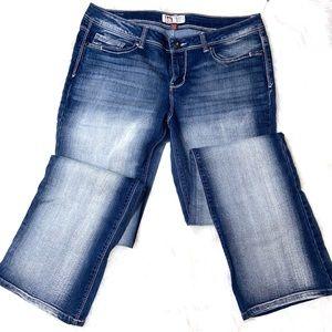 NWOT Low Rise Slim Boot Lei Ashley Jeans 11 Reg